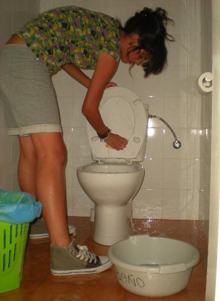 Consejos para limpiar el ba o en 15 minutos tiendasneto - Como limpiar el moho del bano ...